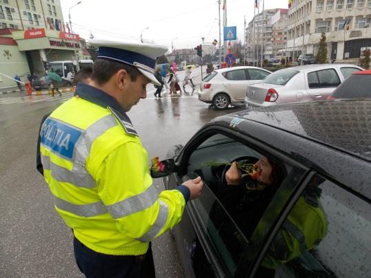 flori 8 martie politie