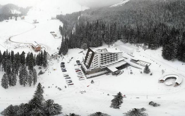 Platoul Padina, Hotel Peştera. FOTO: Facebook