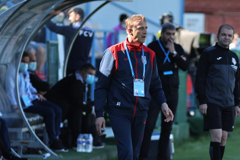 Emil Săndoi, antrenor Chindia Târgovişte. FOTO Mediafax/ George Fluşter
